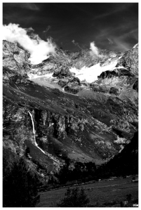 Glaciar i cascada
