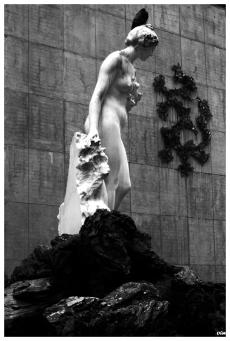 Estatua i drac