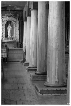 Columnes. Església d'Achao